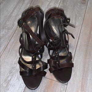 Vera Wang brown chunky heel